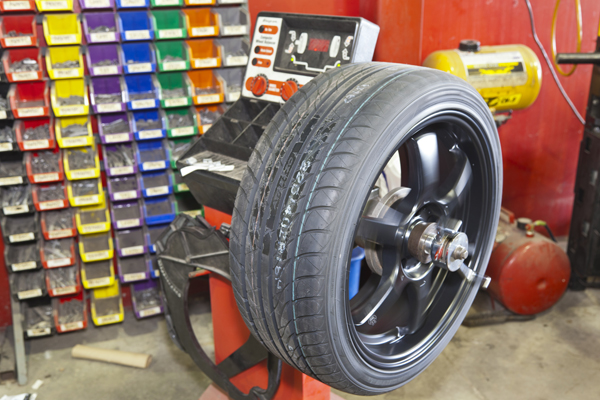 Project Forte: KIA Forte Coupe - Konig Rim and Sailun Tire Install
