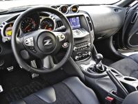 2009_Nissan_370Z_Coupe_Roadster_Inside2