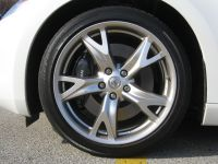 2009_Nissan_370Z_Coupe_Roadster_Tire