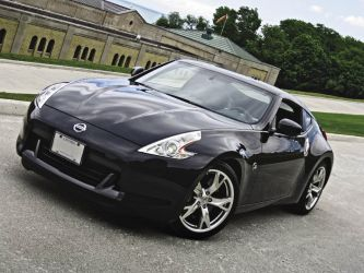 2009_Nissan_370Z_Coupe_Roadster