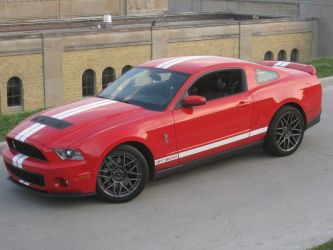 Ford_Shelby_GT500_Side2