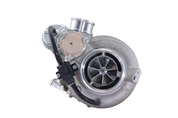 During a two-hour conversation I had with the BorgWarner Turbo Systems team and their PR reps at HP Prose, I realized they were about to start a revolution. Turbos from the EFR series are high performance units that requires no additional wastegate or even a blow-off valve! Everything is integrated into a compact frame constructed of exotic materials.