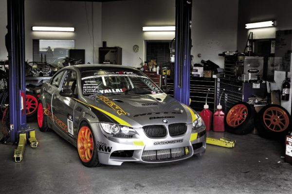 Even though it doesn't look too outrageous, it definitely stands out being a V10 E92 and the only BMW in the Formula D field!