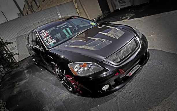 High Altitude: Nick Moy's 2002 Nissan Altima