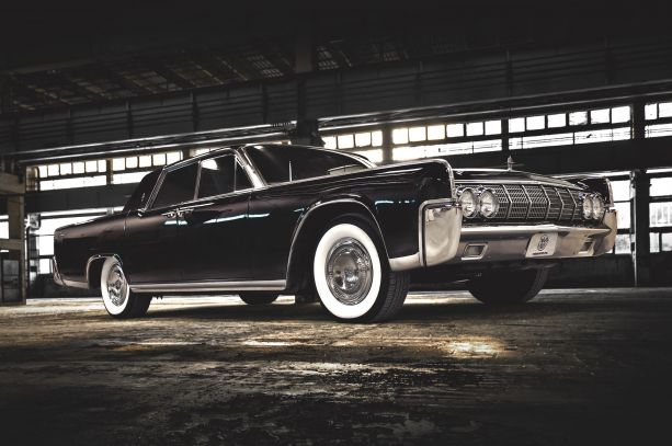 Don't be a H8R: 360 Fabrication's 1964 Lincoln Continental