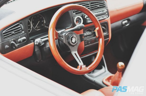 PASMAG Find Your Grip Royal Steering Wheel Jon Hanna