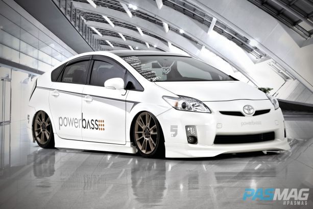 PASMAG VIP Swag Rodney Esteban 2010 Toyota Prius PowerBass Air Runner VIAIR Five Axis Designs Falken Junction Produce Audison front