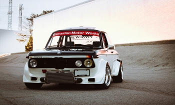 Respecting The Craft: Antonio & Ricardo Mendes's 1974 BMW 2002