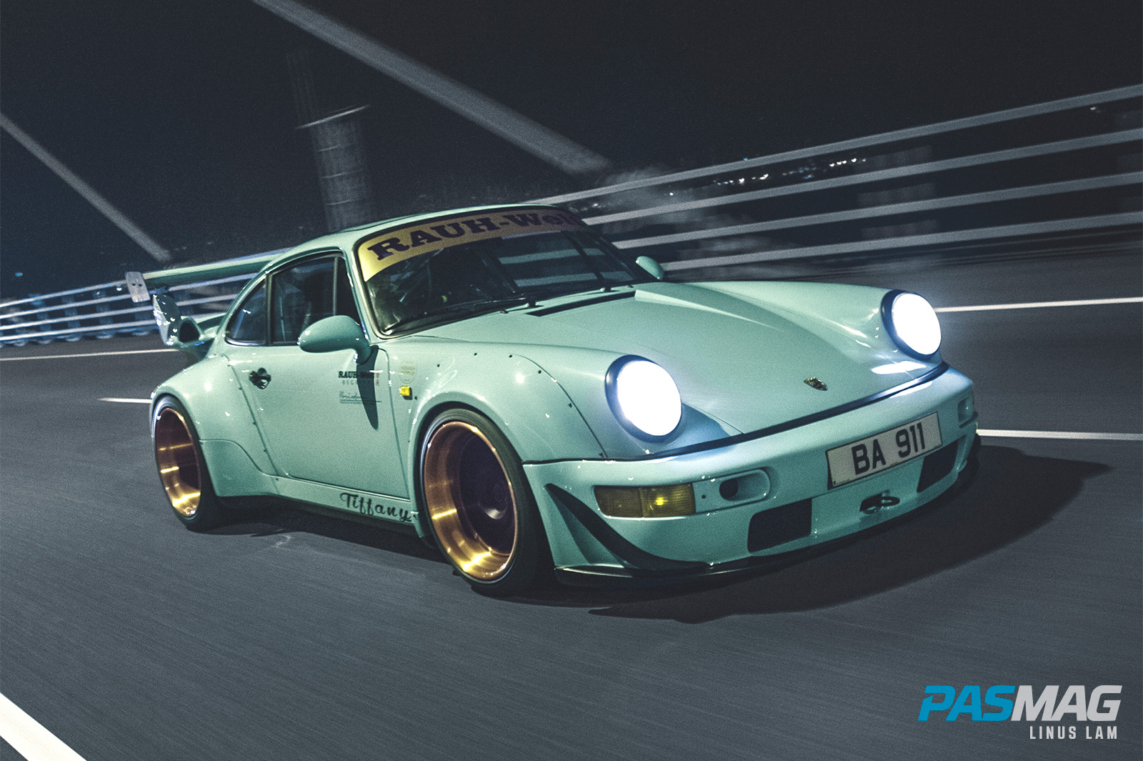 ReinART.Design 1990 Porsche 911 964: RWB HK Tiffany (Photo by Linus Lam)