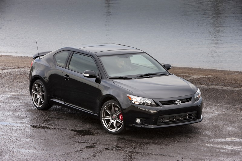 2011_Scion_tC_Front